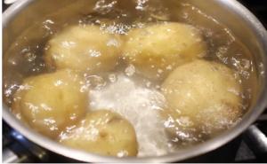 Voda od kuhanog krompira će rešiti jedan od najvećih problema svake žene!